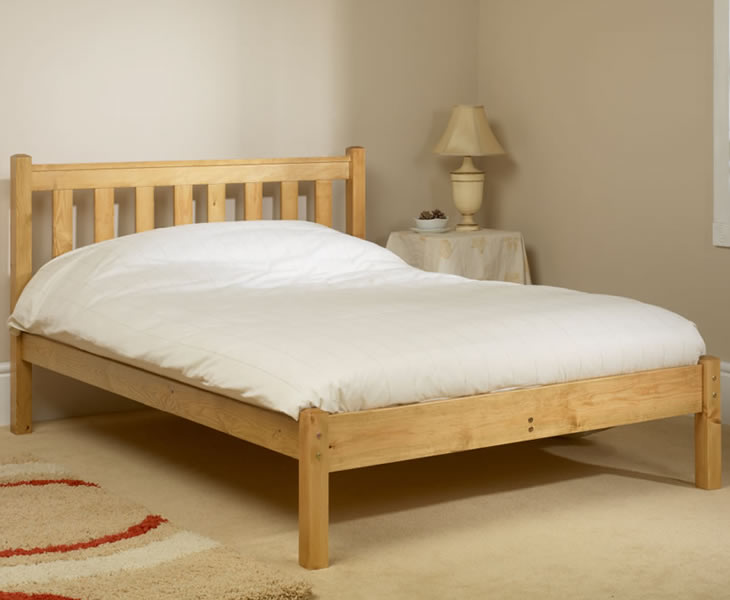 just4ftbeds.co.uk Kansas Shaker Small Double 4ft Pine Bed natural finish