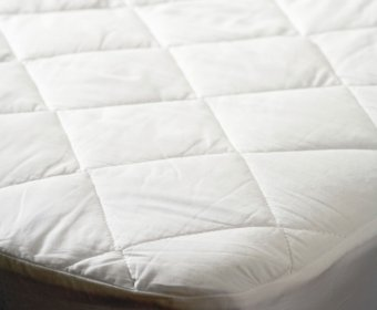 Evie Small Double 4ft Mattress Protector